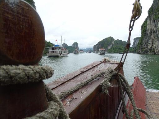 Barques a la Badia de Ha Long